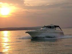KSSW- motorówka i zachód słońca,łodzie motorowe - silnik - napęd