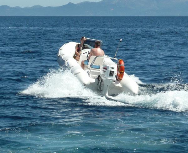 Dobór śruby napędowej do łodzi motorowej - nie łatwa sprawa