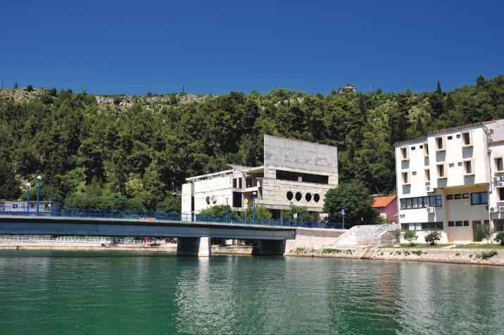 Obrovac - widok od drugiej strony mostu
